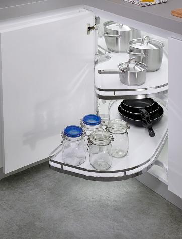 Detalle de mueble de cocina para rincón
