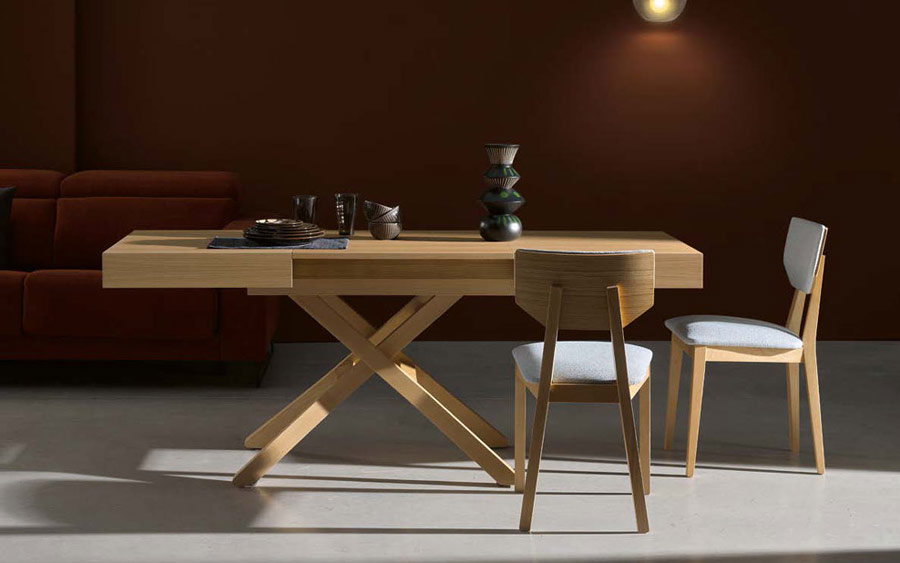 Silla y mesa de comedor 14f-0001 madera natural vista ambiente frontal