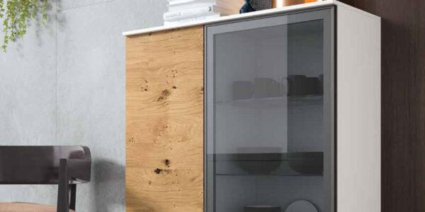 Mueble auxiliar buffet-vitrina 13c-0006 madera blanco y cristal fumé vista de detalle