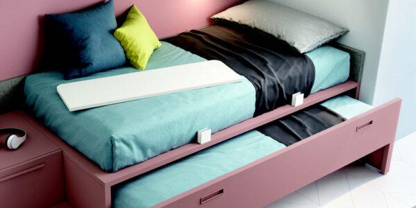 Cama de dormitorio juvenil 12b-0005 color rosa y blanco vista de detalle
