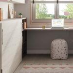 Dormitorio kids con cama abatible horizontal baja 12d-0003 color rosa y blanco vista lateral cerrada