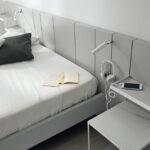 Cabecero de dormitorio de matrimonio 11a-0004 color gris vista de detalle