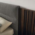 Cabecero de dormitorio de matrimonio 11a-0005 color gris y roble oscuro vista de detalle