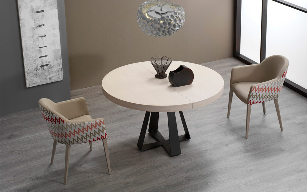 Mesa de comedor redonda extensible 14b-0016 color beige y negro vista ambiente cerrada