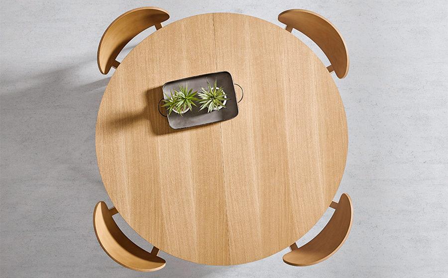 Mesa de comedor redonda y sillas 14b-0009 madera vista top
