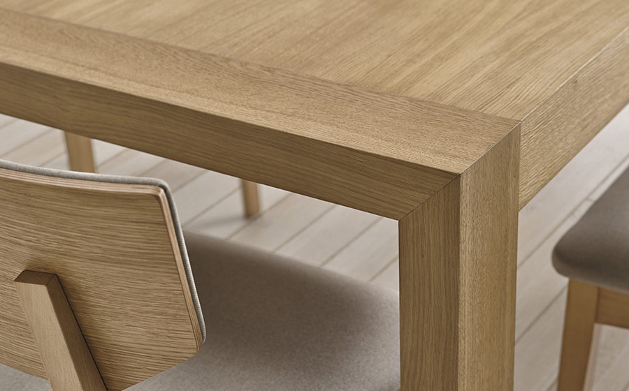 Mesa y sillas de comedor 14b-0024 madera vista de detalle
