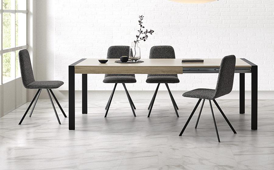 Mesas y sillas de comedor 14b-0026 color negro con madera vista ambiente frontal