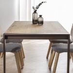 Mesa y sillas de comedor 14b-0026 color marrón y madera vista ambiente lateral