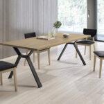 Mesa y sillas de comedor 14b-0027 color negro y madera vista ambiente