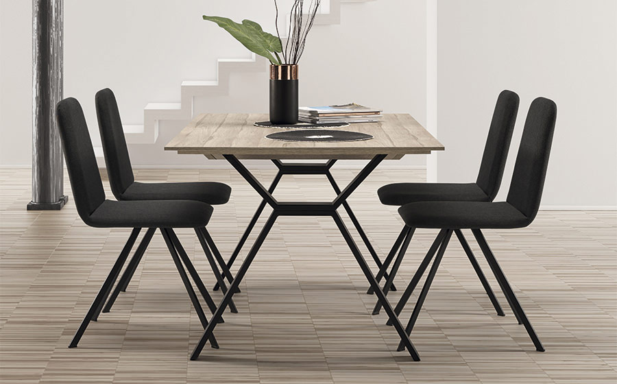 Mesa y sillas de comedor 14b-0027 color negro y madera vista ambiente lateral