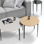 Mesas auxiliares ovaladas 14e-0007 color gris y madera con patas negras vista general