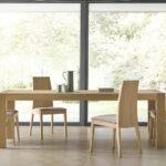 Sillas y mesa de comedor 14f-0005 madera vista ambiente frontal