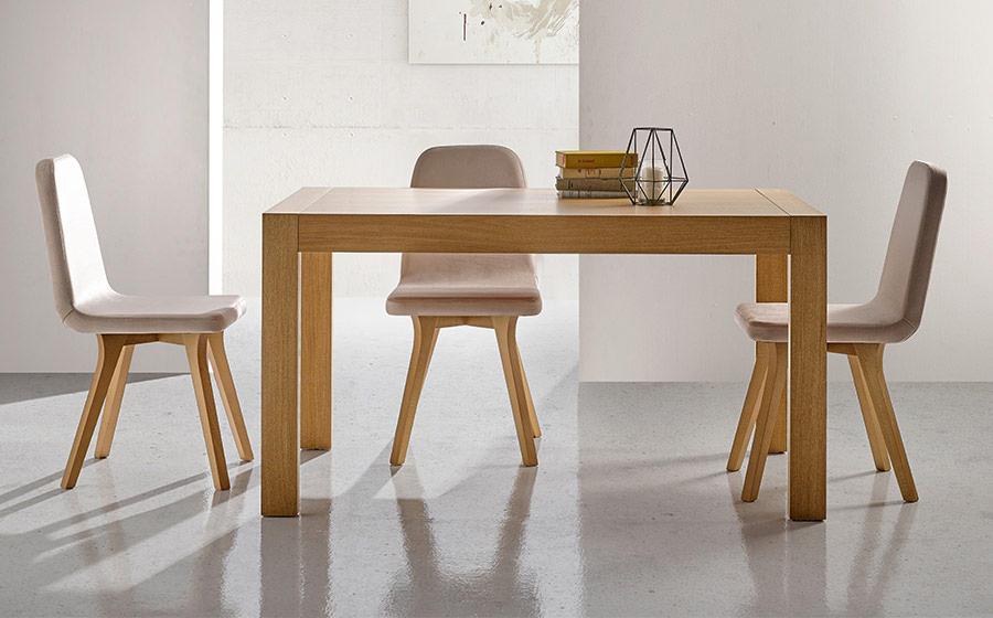 Sillas y mesa de comedor 14f-0007 madera vista ambiente frontal