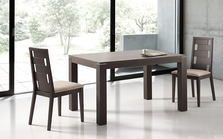 Sillas y mesa de comedor 14f-0011 color negro vista ambiente