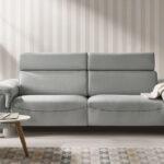 Sofá de 2 plazas 10b-0023 color gris vista de ambiente