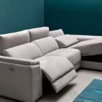 Sofá chaise longue 10b-0007 color gris vista detalle deslizante y arcón