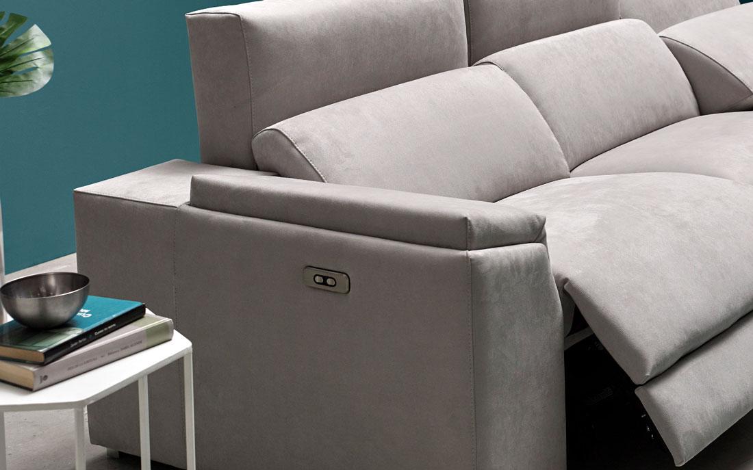 Sofá chaise longue 10b-0007 color gris vista detalle brazo