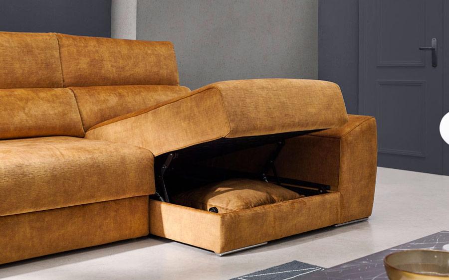 Sofá chaise longue 10b-0008 color naranja detalle arcón en asiento